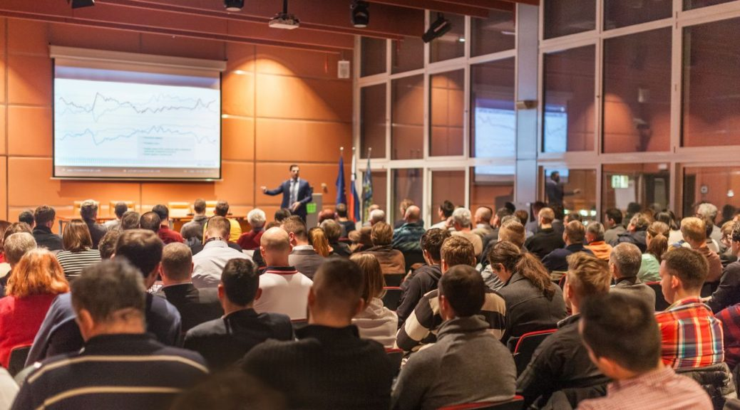 SIX SIMPLE STEPS TO RUNNING A SUCCESSFUL SEMINAR